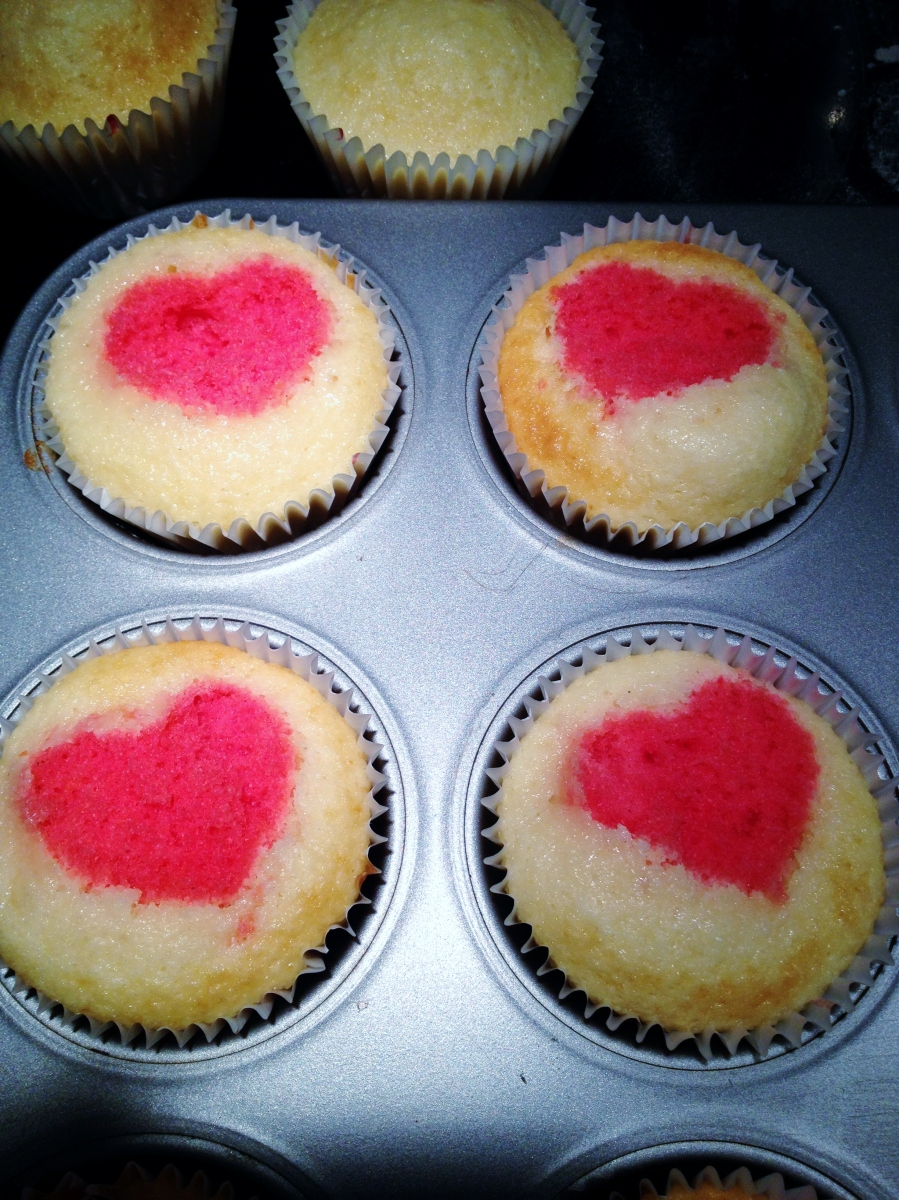 Heart Cupcakes, Sam Loves Cake