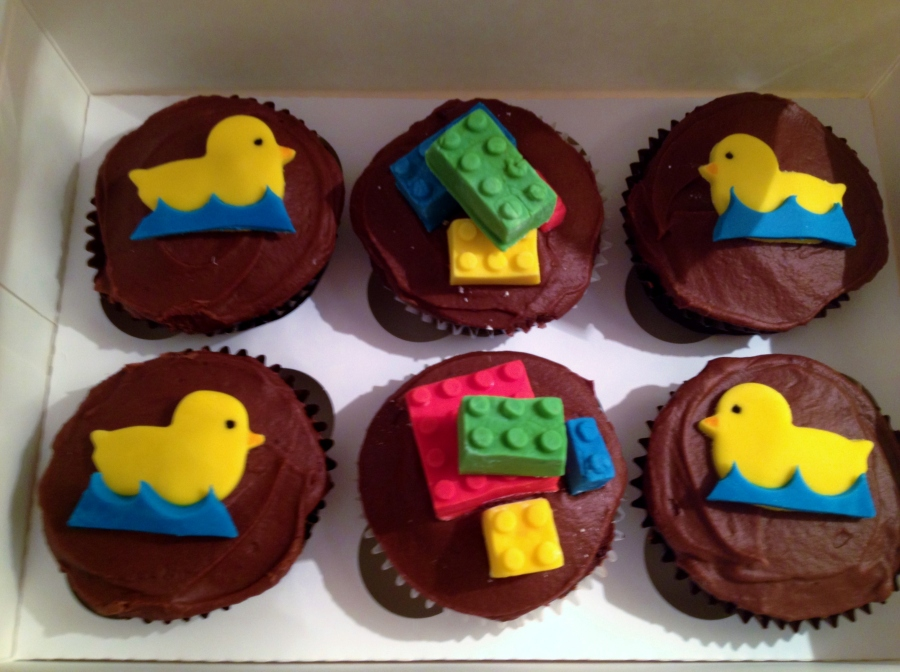 LEGO Cupcakes, Sam Loves Cake
