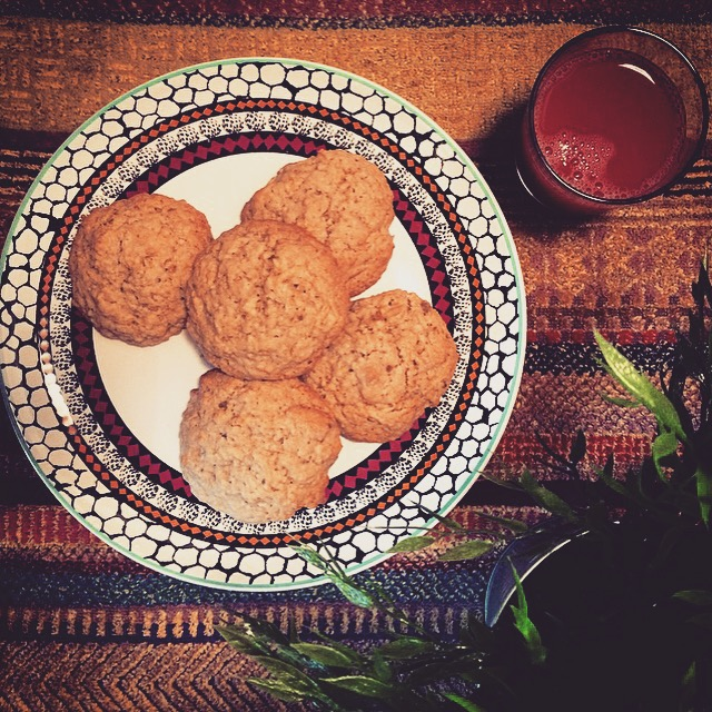 Image of apple oatmeal cookies.